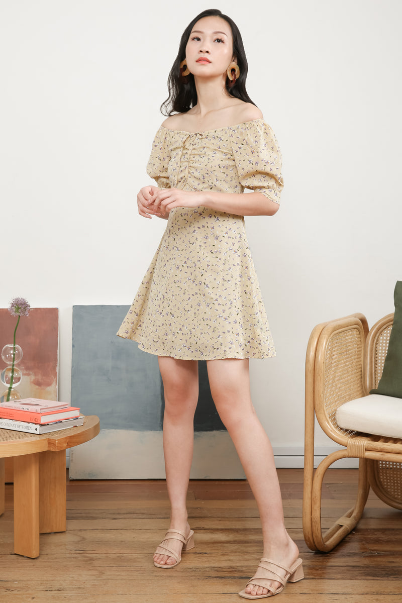 Yasmin Front Ruched Printed Dress in Yellow