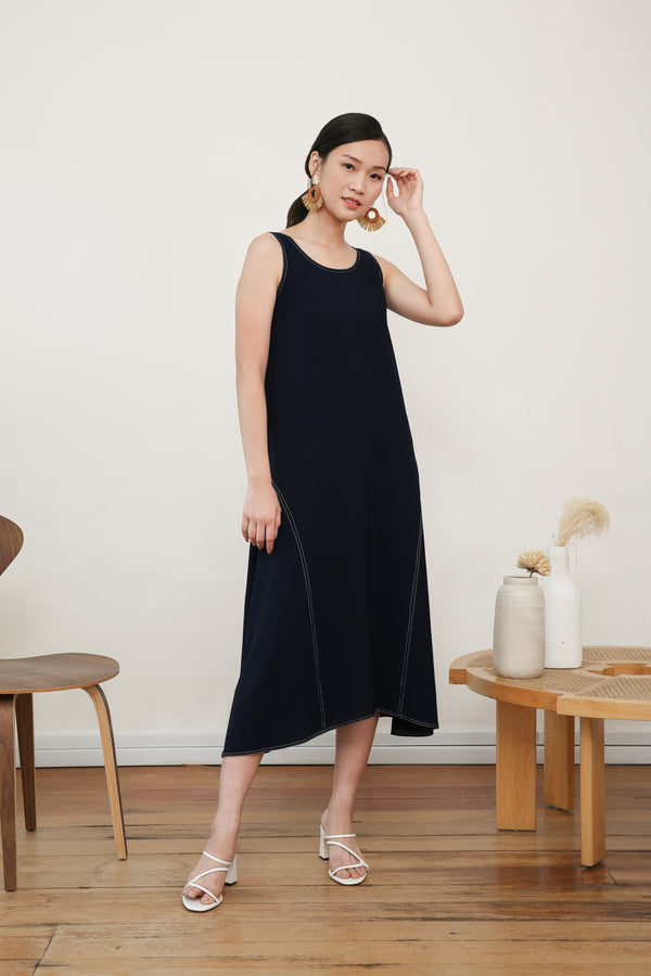 Anna Sleeveless Midi Dress In Blue