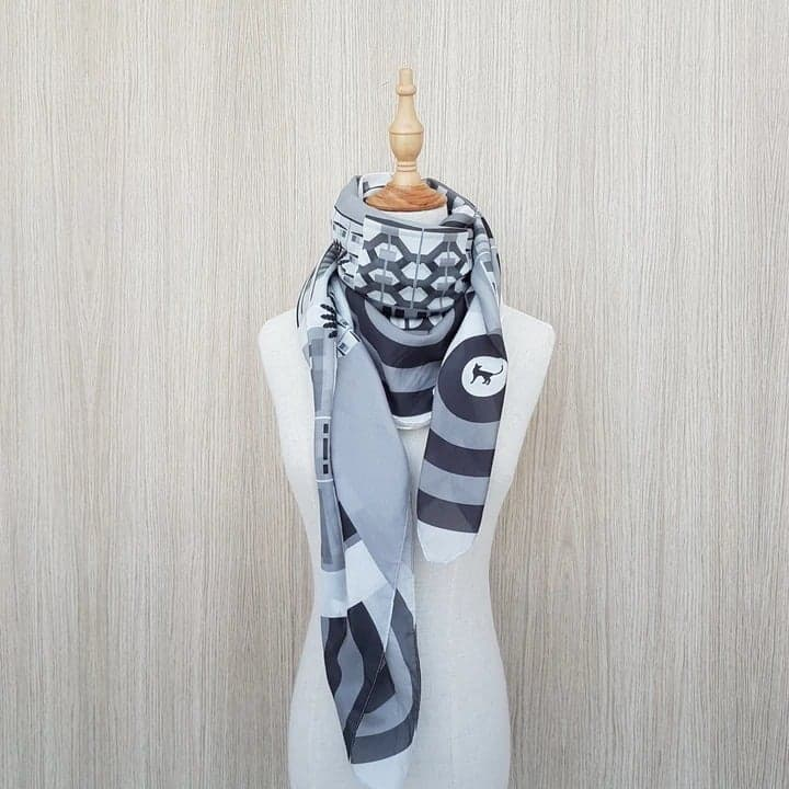 products/Monochrome_Scarf_2_c934fb2f-3957-4278-8294-af7aded77d1a.jpg