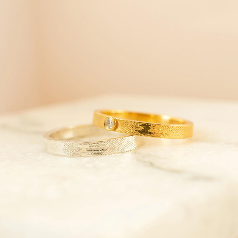 Sunset Chasers Diamond Wedding Ring in Yellow Gold