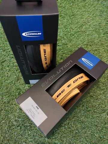 Schwalbe ONE Evolution Tan Wall tire