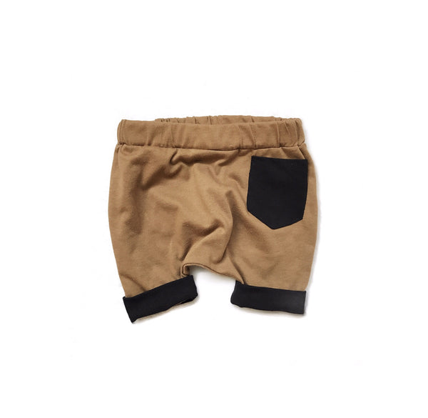 Saddle Pocket Shorts