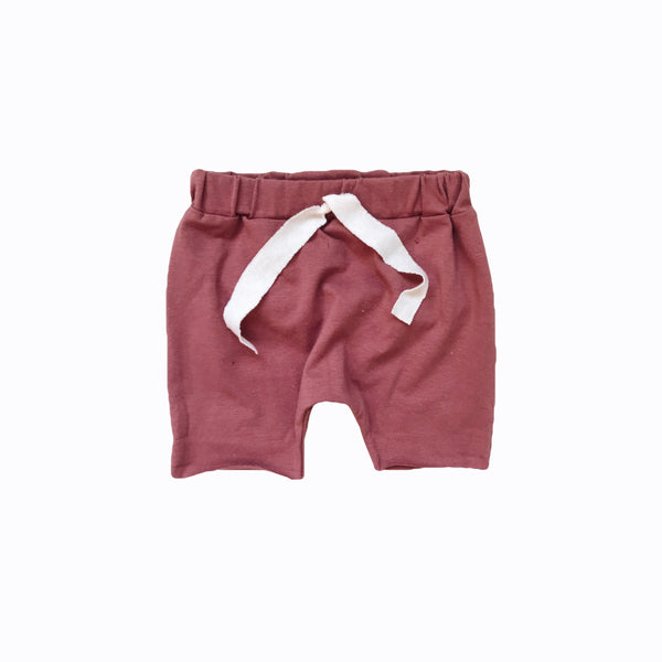 Raw hem short in mauve