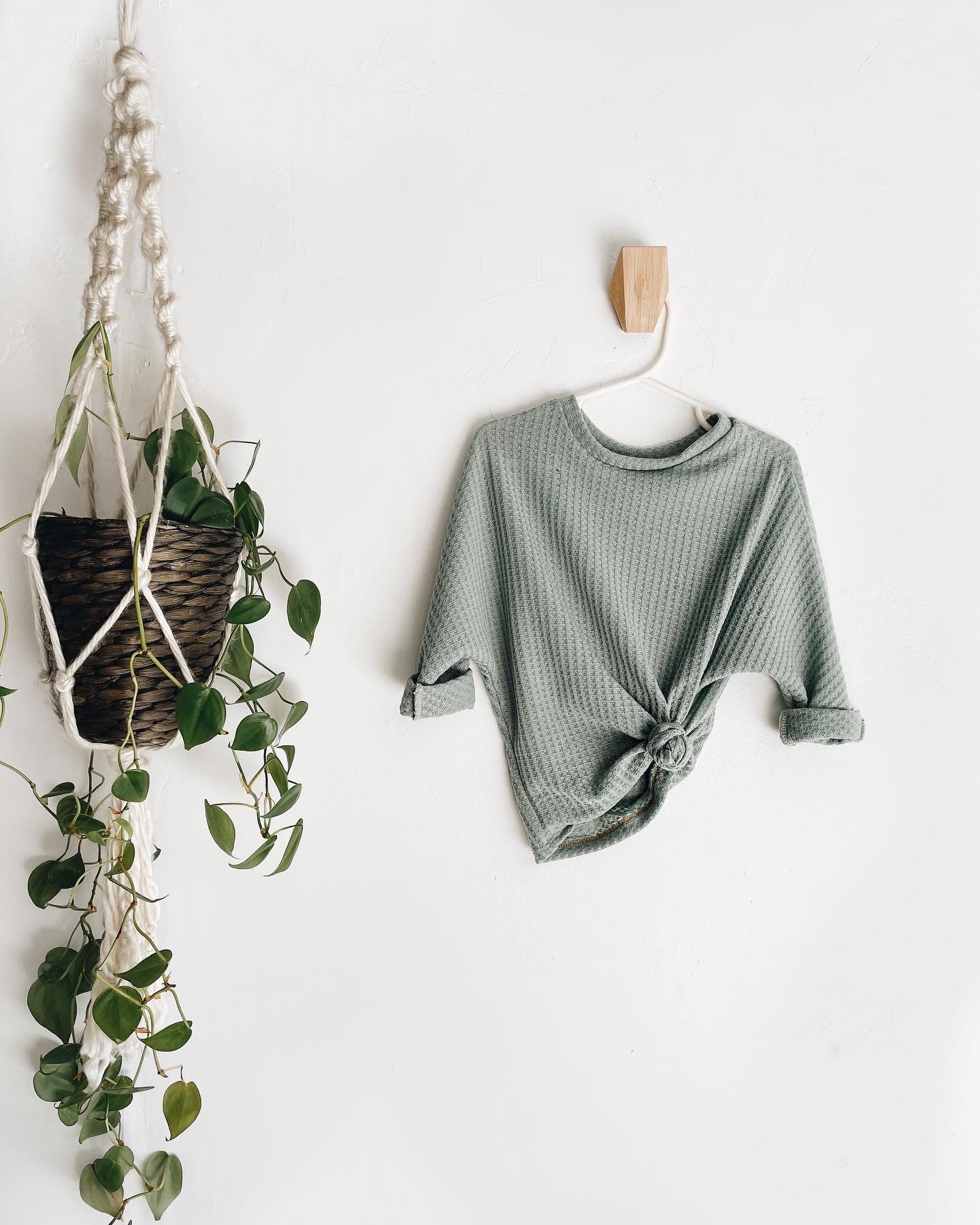 (PREORDER) Waffle Knit Sweater