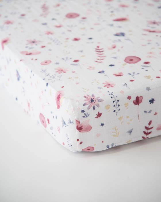 LITTLE UNICORN MUSLIN CRIB SHEET