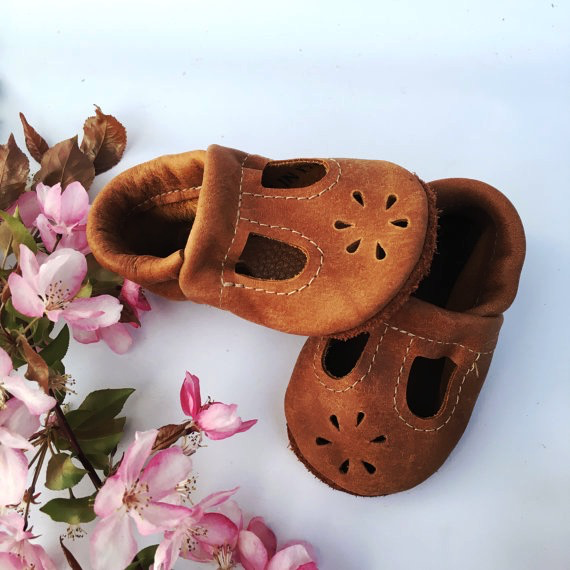 HANDMADE LEATHER MARY JANES