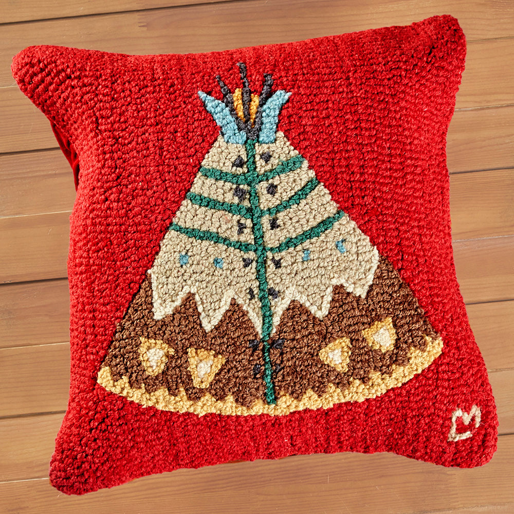 "Chandler 4 Corners 18"" Hooked Pillow, Teepee II"