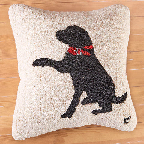 "Chandler 4 Corners 18"" Hooked Pillow, Plush Black Lab"