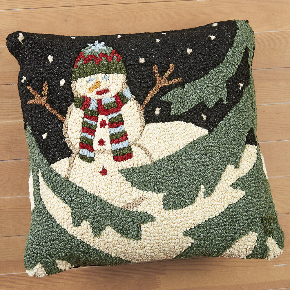 "Chandler 4 Corners 18"" Hooked Pillow, Evening Snowman"