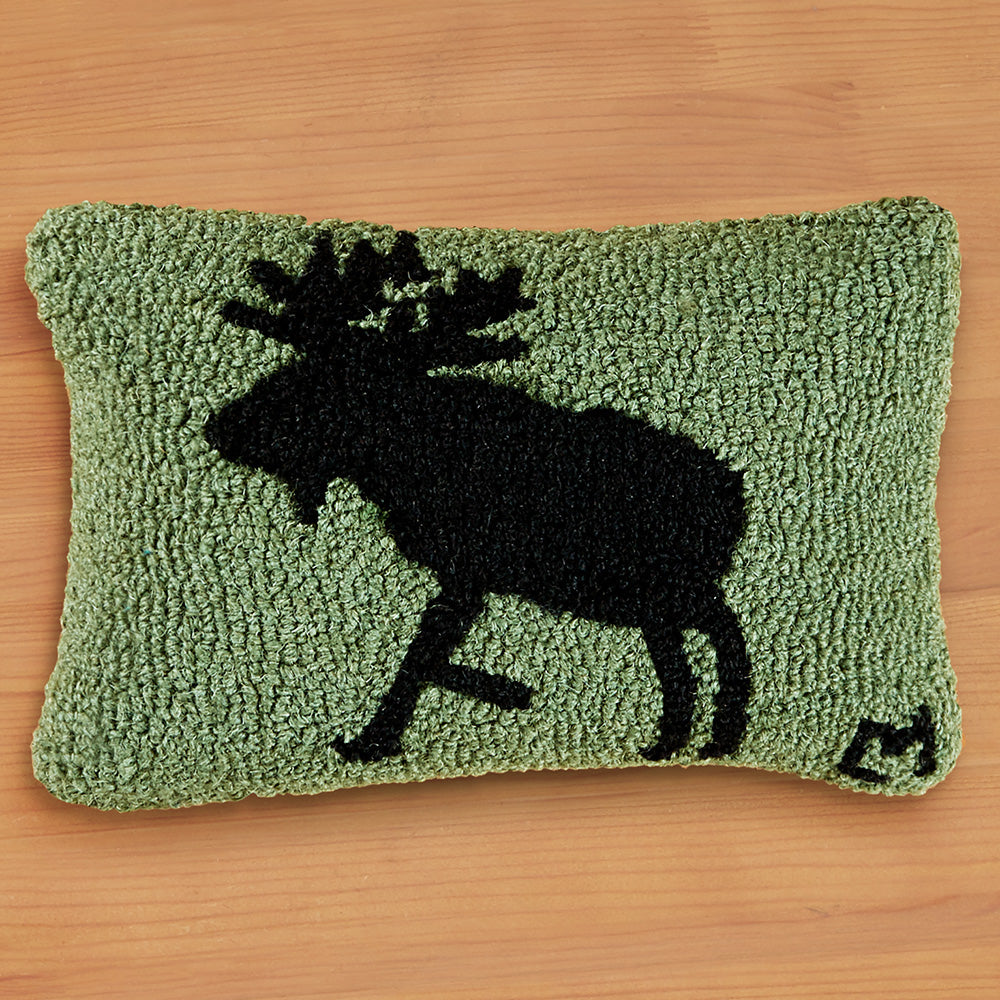 "Chandler 4 Corners 8"" x 12"" Hooked Pillow, Moose on Green"
