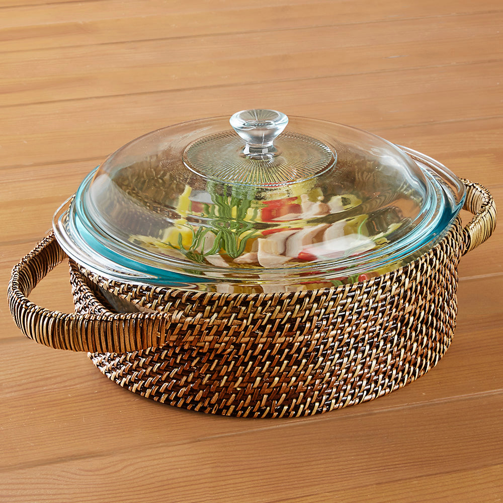 Calaisio Woven Casserole Holder with Round Lidded Pyrex Baking Dish