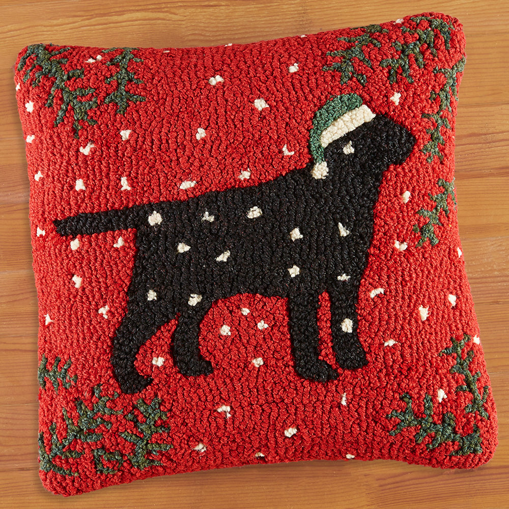 "Chandler 4 Corners 18"" Hooked Pillow, Christmas Black Lab"