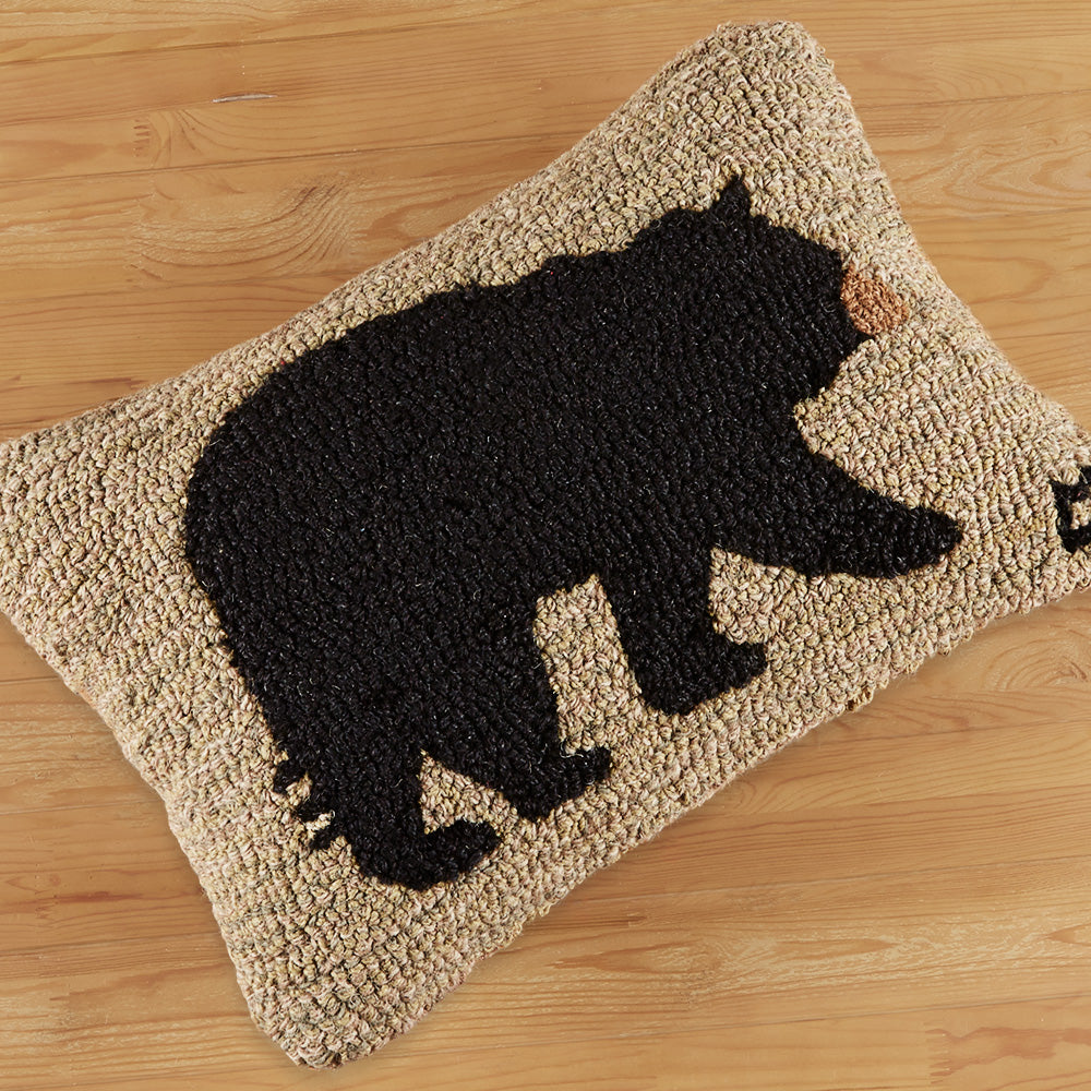 "Chandler 4 Corners 14"" x 20"" Hooked Pillow, Big Bear"