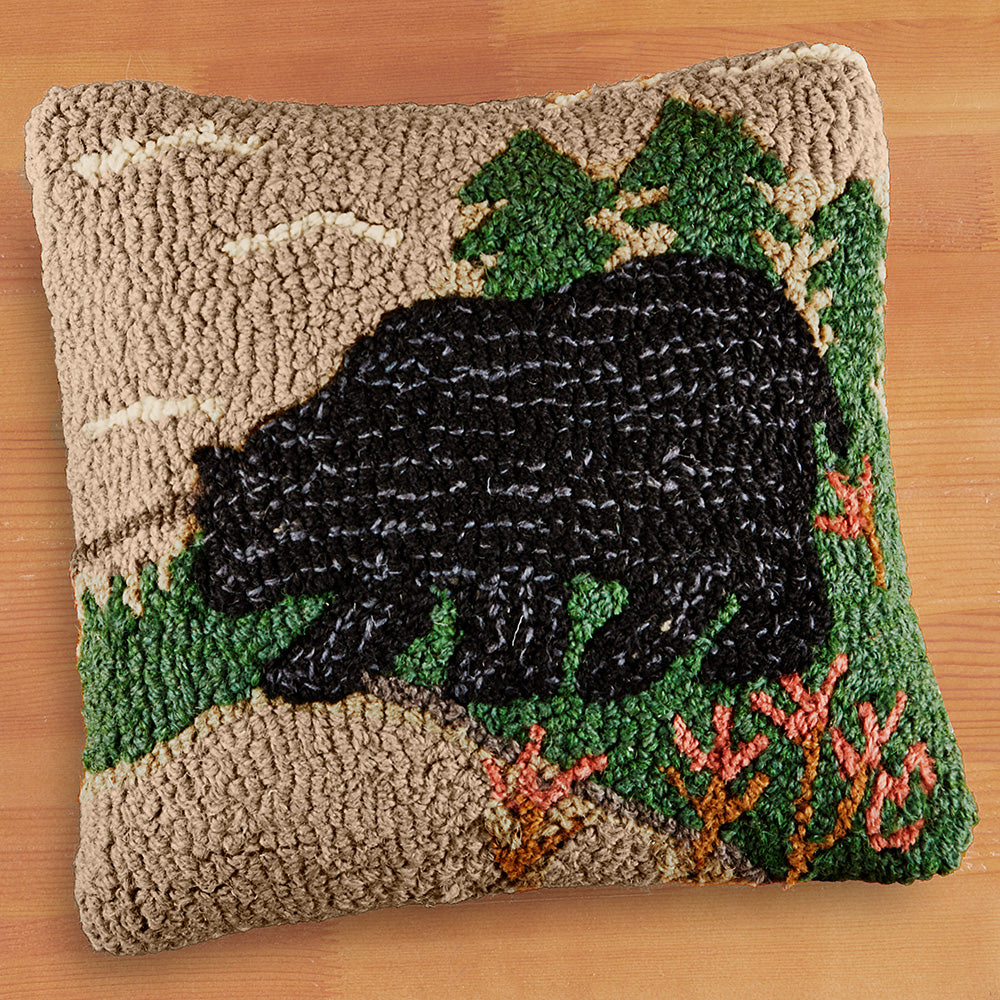"Chandler 4 Corners 14"" Hooked Pillow, Woodsy Bear"