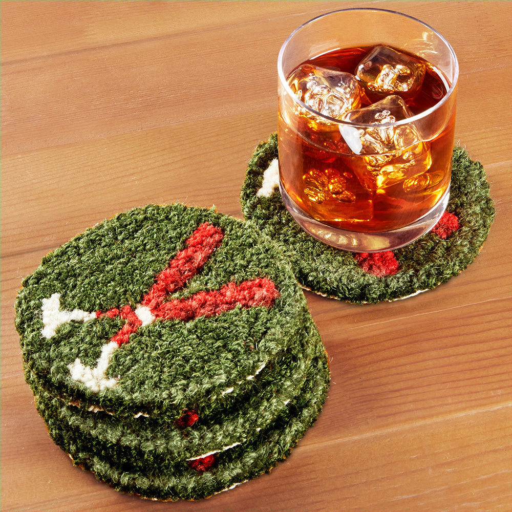 Chandler 4 Corners Hooked Wool Coaster Set, Crossed Paddles