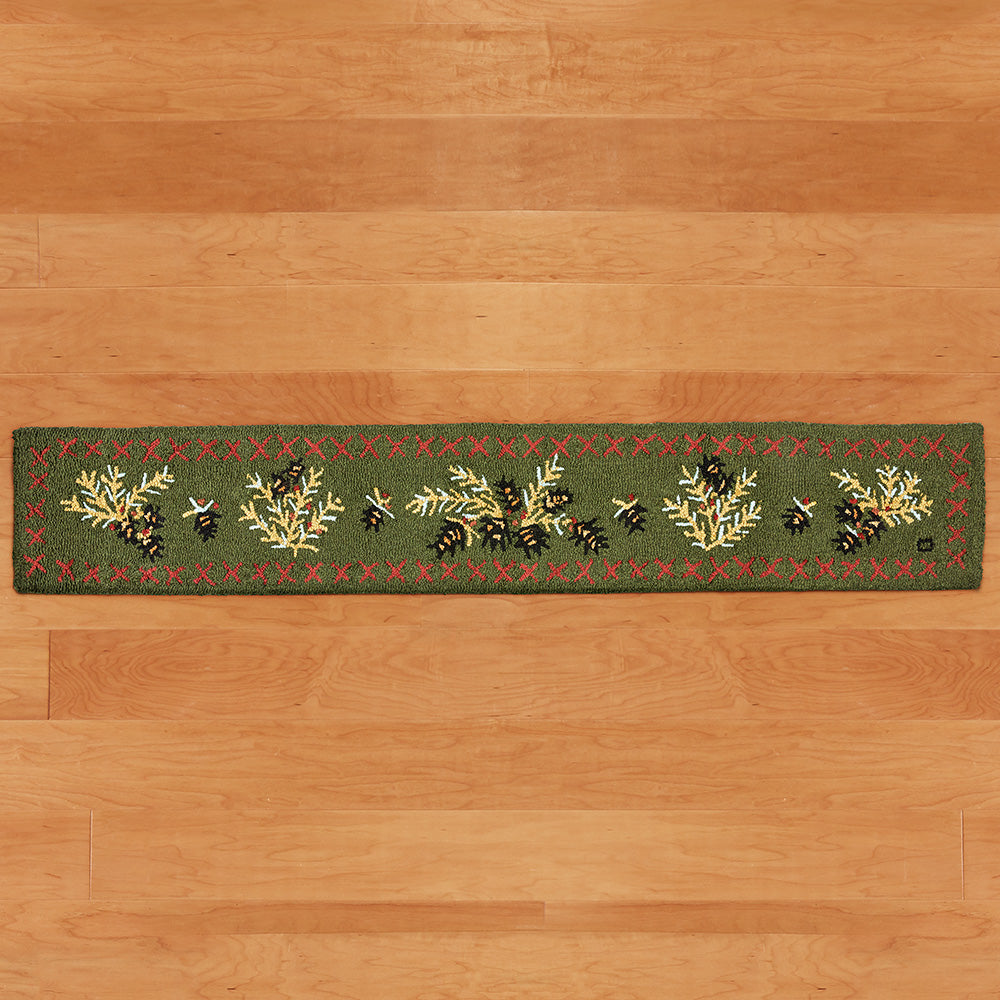Chandler 4 Corners 1' x 6' Hooked Hearth Rug, Diamond Pine