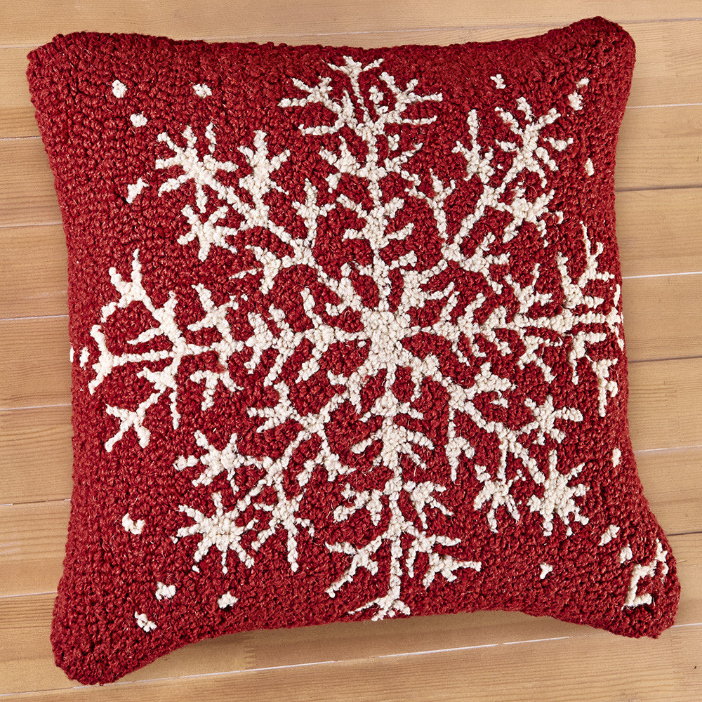 "Chandler 4 Corners 18"" Hooked Pillow, Snowflake"