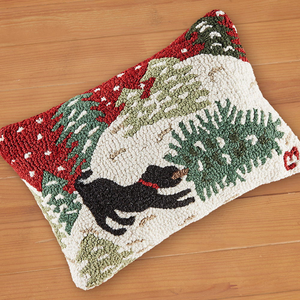 "Chandler 4 Corners 14"" x 20"" Hooked Pillow, Dog Bringing Home Tree"