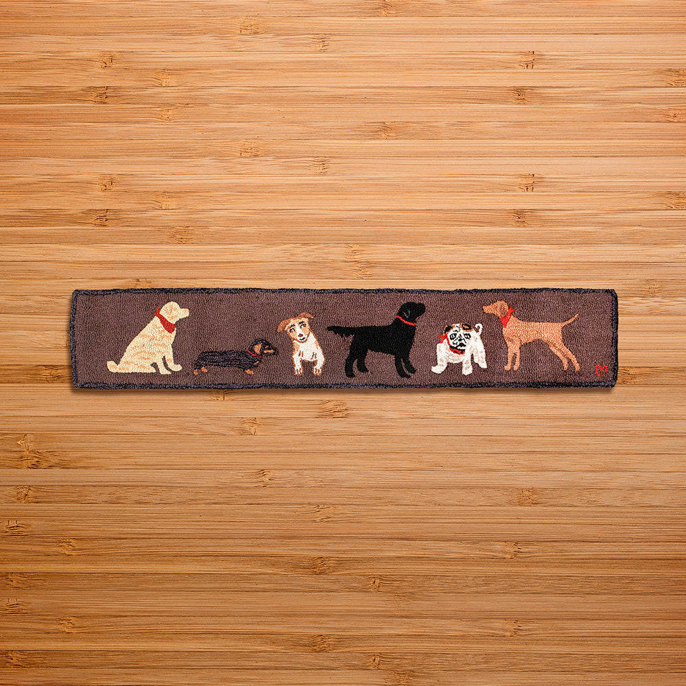 Chandler 4 Corners 1' x 6' Hooked Hearth Rug, Dogs Welcome