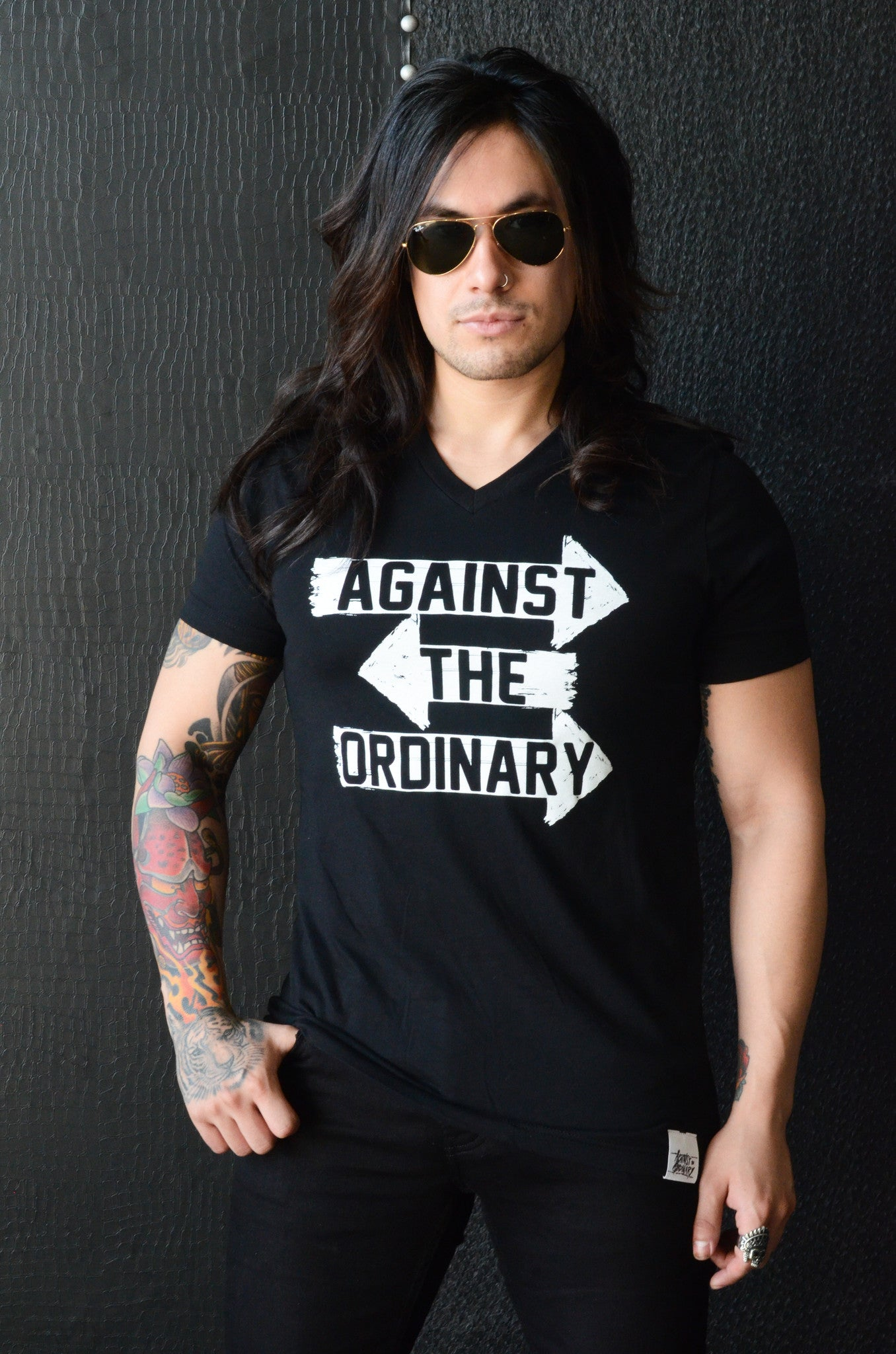 AGAINST THE ORDINARY Men's Short Sleeved V Neck Tee with ARROW Graphic