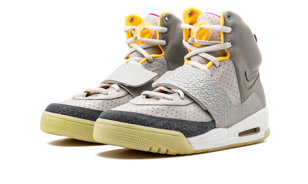 sneakers for cheap 250f5 1b0ac NIKE AIR YEEZY