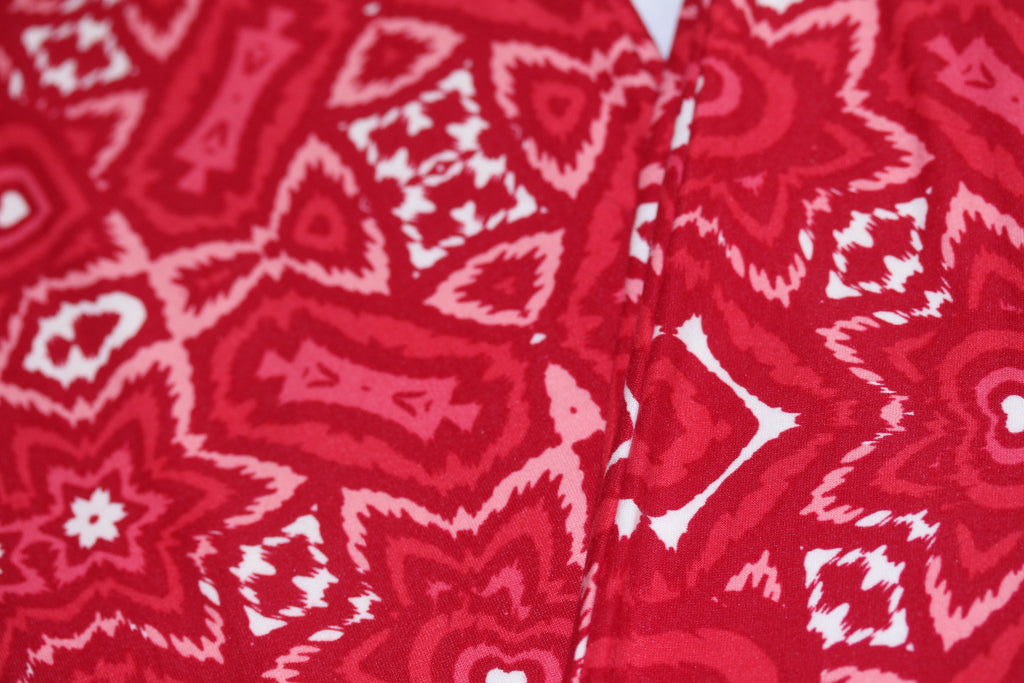 699931bf20702 ... LuLaRoe ,OS VALENTINE'S DAY Leggings Red Hearts design 2257 - LuLaRoe  Outfitters