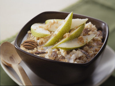 Hearty Oatmeal with Pears, Raisins, and Pecans