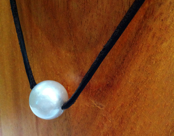 """One Love"" Sliding South Sea Pearl Necklace - Klara Haloho - 2"