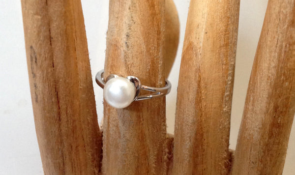 Freshwater Pearl and Sterling Silver Ring - Klara Haloho - 2