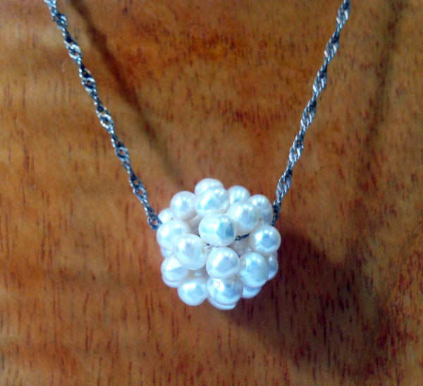 """Cotton Ball"" Freshwater Necklace - Klara Haloho - 2"