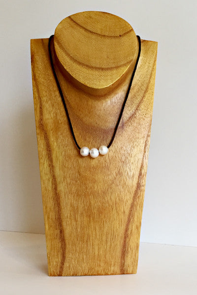 """Triple Scoop"" Sliding Freshwater Pearl Necklace - Klara Haloho - 1"