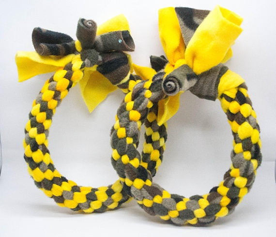 Black Dog & Co Fleece Ring Dog Toy