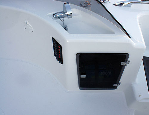 INSIDE SEALVER WAVE BOAT 656