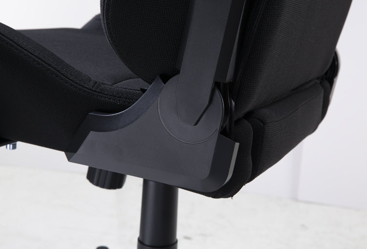 OH/FD01/N Formula Series DXRacer Gaming Chair Close Up