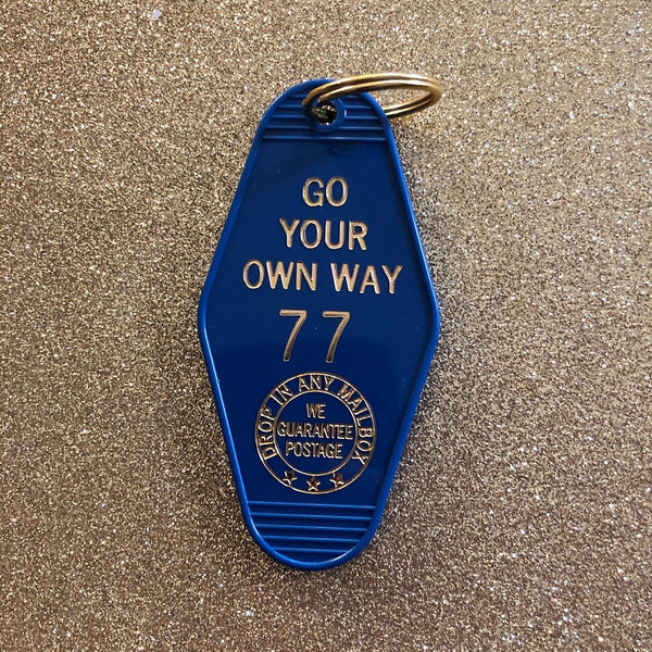 Go Your Own Way Vintage Hotel Keychain - Deep Blue