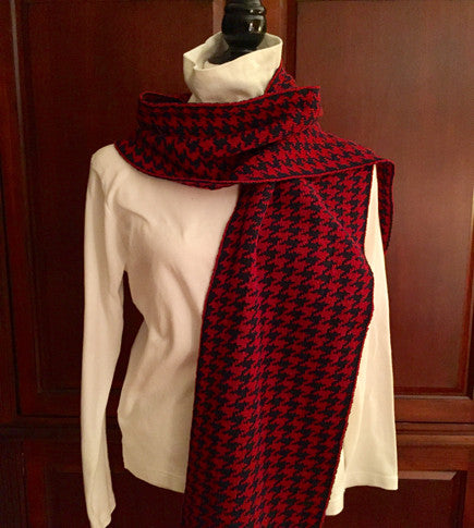 PENN colors Houndstooth Scarf 9 x 60
