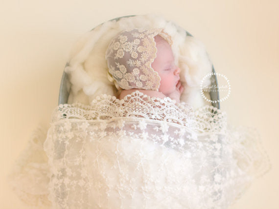 VINTAGE LACE BABY BONNET WITH LACE WRAP