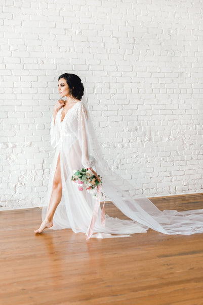 VINTAGE LACE BRIDAL robe for wedding day, boudoir photo shoot robe, lingerie for your wedding night, bridal photo shoot, honeymoon lingerie