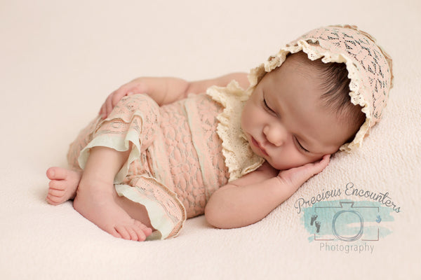 ROMPER / BONNET / TIEBACK : dusty pink knit romper, cotton lace trim, newborn bonnet, newborn romper, bonnet, baby photography, photo prop