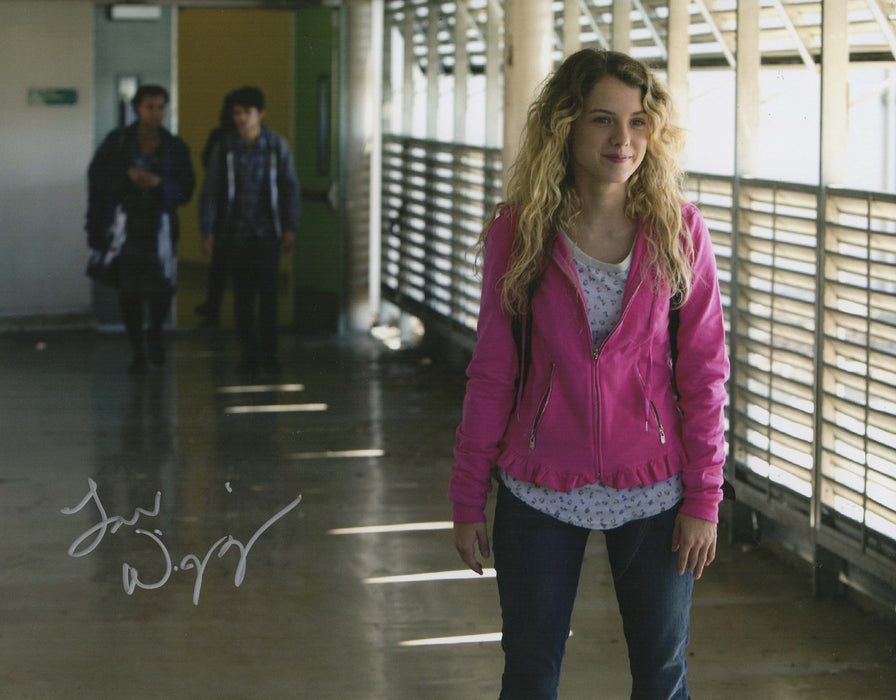 Laura Slade Wiggins Signed 11x14 Photo SHAMELESS AUTOGRAPH COA Z1