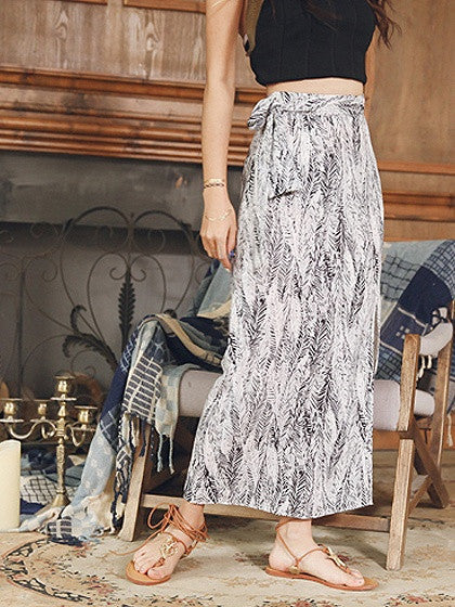 Black Tropical Leaf Printed Tied Waist Split Maxi Skirt