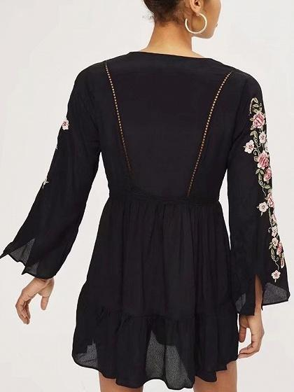 Black V-neck Floral Embroidery Long Sleeve Mini Dress