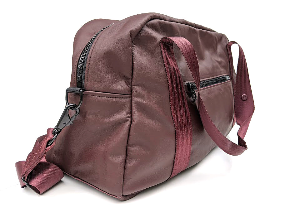 Mariclaro Leather Duffle Bag (2)