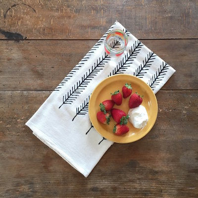 Organic-Tea-Towel-tablescape-little-korboose-at-makers-and-goods