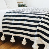 pom-pom-blanket-black-and-white-makers-and-goods