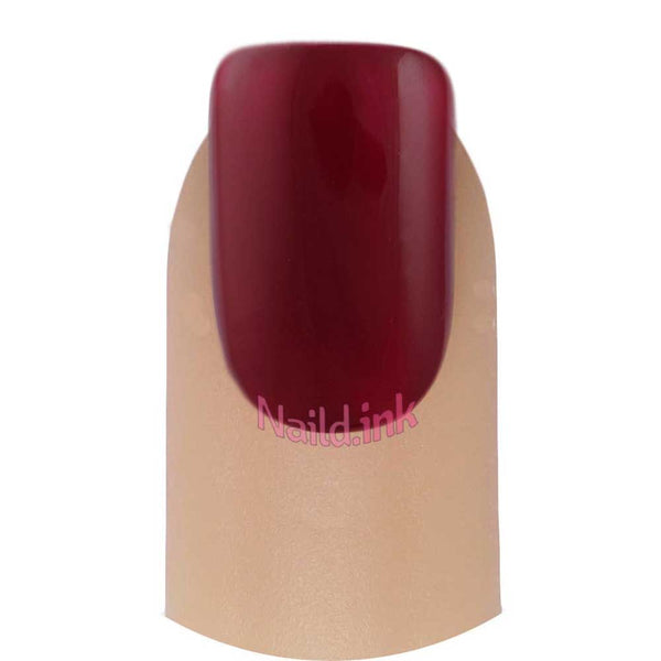 Essie Gel Couture - Paint The Gown Red