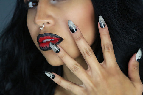 Nailhur Snap On Manicure - Black Forest (Stiletto)