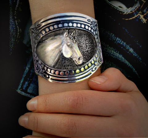 Handmade Horse Bracelet - Quarter Horse Head Horse Bracelet,Quarter Horse Head with GunStock patterned metalwork Western Art for your wrist!