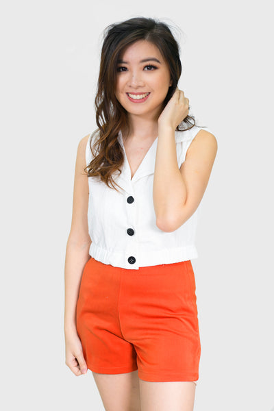 White button down sleeveless collar top