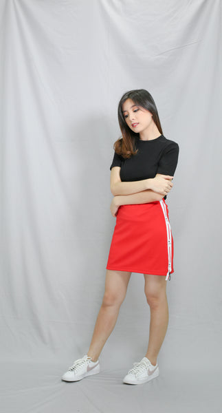 Red  star accent bandage skirt with zipper side slit